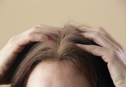 Shampoo secco per i capelli: funziona?
